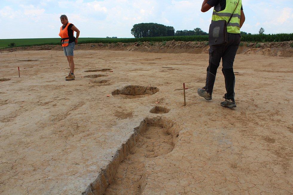 Trasu, kudy povede obchvat, prozkoumávají archeologové.