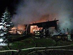 Polská Lasówka a požár stodoly u rodinného domu.