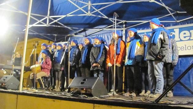 Česko zpívá koledy v Dobrušce