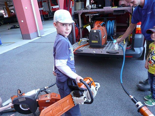 Mateřské centrum Jája navštívilo hasiče