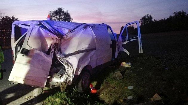 Smrtelná havárie dodávky u Kostelecké Lhoty.