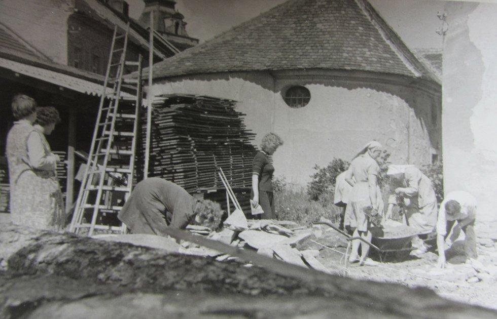 V minulosti to v klášteře žilo - i prací.