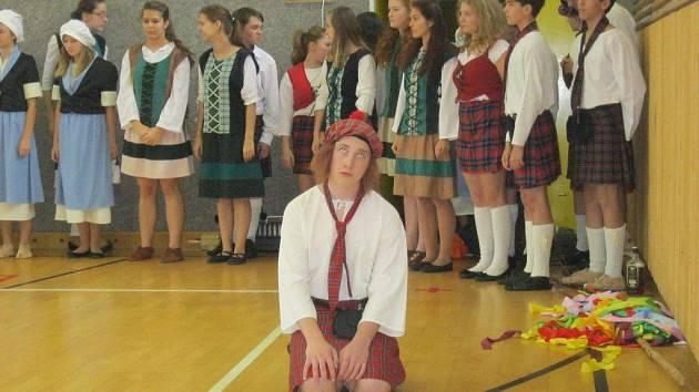 Keltové z Carminy na Základní škole Skuhrov nad Bělou