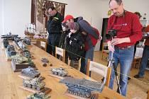 Dům dětí a mládeže ve Vamberku a zdejší nadšení modeláři připravili již tradiční výstavu plastikových modelů letecké, lodní, pozemní techniky a diorámat.