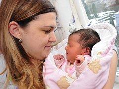 EMILY MAZÁNKOVÁ  poprvé uviděla svět 6. ledna ve 2.55 hodin. Radují se z ní rodiče Tereza a Martin i sestra Victorie ze Záměle. Po narození holčička vážila 4,50 kg.
