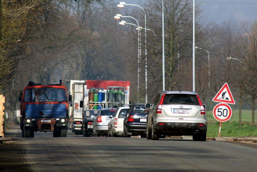 Dopravní situace mezi Kostelcem a Častolovicemi.