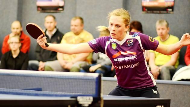 Doberská stolní tenistka Kateřina Rozínková obhájila titul přebornice Královéhradeckého kraje.