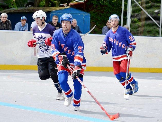 Opočenští hokejbalisté v akci. Ilustrační fotografie.