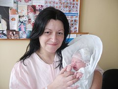 MICHAL JIRKA: Manželé Marcela a Ladislav Jirkovi z Bělé přivedli na svět syna. Narodil se 31. 12. v 21.32 hodin s váhou 3,36 kg a délkou 49 cm. Na malého bratříčka se doma těšil Radim. Tatínek to u porodu zvládal skvěle.