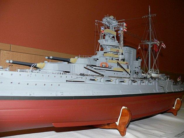 Výstava modelů lodí ve Weldis Sporthotelu.