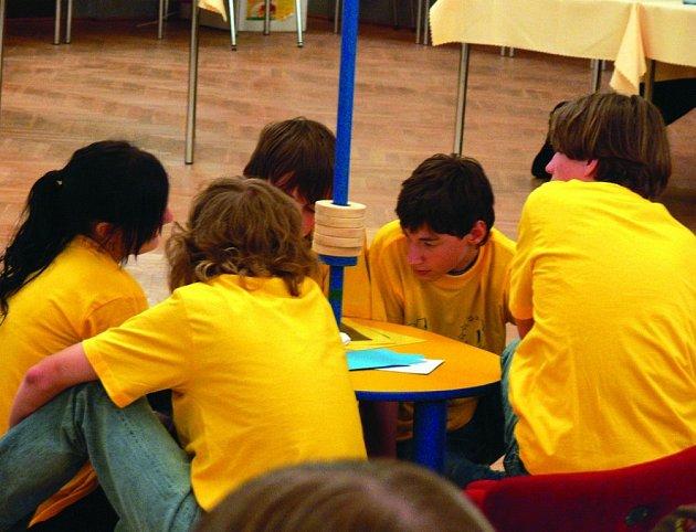 Rychnovští gymnazisté v soutěži Evropa mladýma  očima