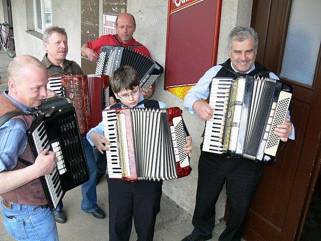 Setkání harmonikářů v Javornici.