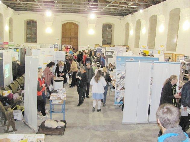Prezentace středních škol a zaměstnavatelů se konala v pátek a v sobotu v zámecké jízdárně.