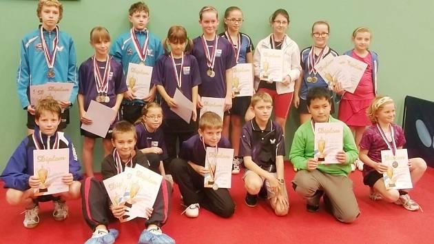 Přebory mladých stolních tenistů začaly. Hráči změřili síly v Kostelci