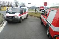 Dopravní nehoda osobního automobilu a sanitky v Dobrušce.