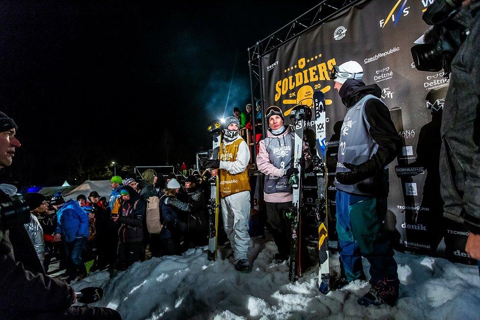 Soldiers - FIS Finále světového poháru v Big air v Deštném v Orlických horách,Birk Ruud (vpravo) Antoine Adelisse (uprostřed), Ulrik Samnoy (vpravo)