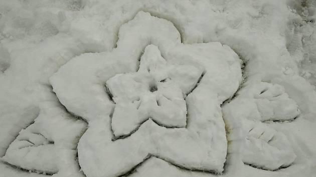 Tvorba ze sněhu.