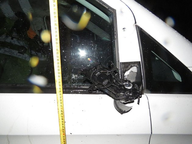 Střet vozidla s opilým chodcem u Rybné nad Zdobnicí.