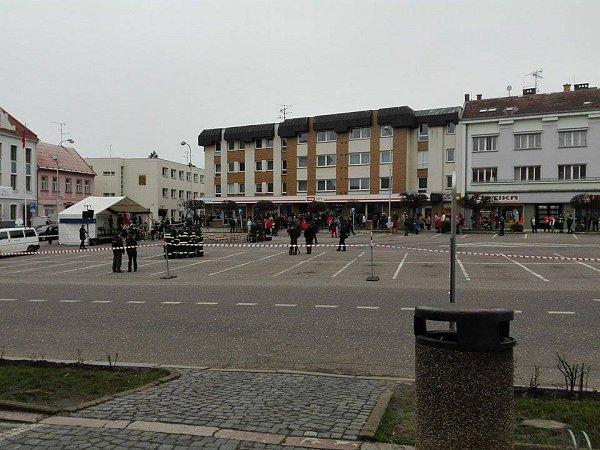 Aktuální situace na náměstí.