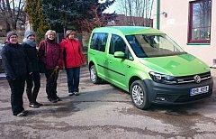 Pečovatelky v Rokytnici dostaly nové auto do horského terénu