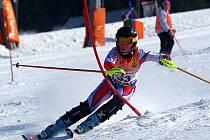 Deštenský mladší žák Tomáš Klinský zvládl nejlépe nástrahy slalomu a dojel si pro mistrovský titul