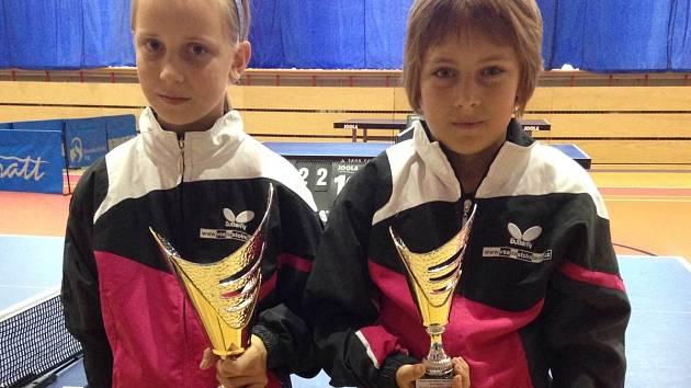 Medailistky ze čtyřhry nejml žákyň - zlatá Bačinová bronzová Grimmerová