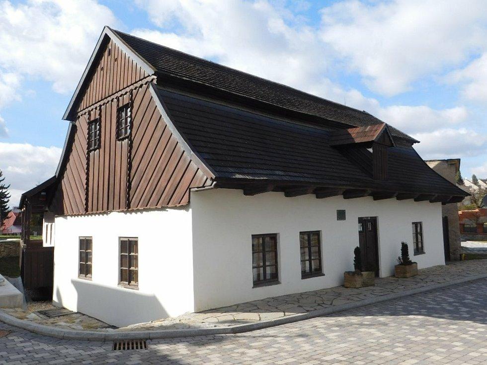 Rodný dům slavného buditele F. V. Heka v Dobrušce