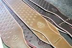 KYTAROVÉ ŘEMENY HEMR se vyrábějící ve čtyřech kvalitativních řadách –  bronzové, stříbrné, zlaté a platinové.