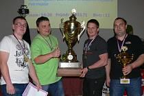 Vítězem 1. ligy a zároveň celkovým vítězem se stala Kramolna, která hrála ve složení –  zleva: Tomáš Hejzlar, Martin Hejzlar, Pavel Pecold mladší a Petr Hejzlar.
