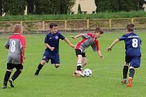 Při zápasech výběrů OFS kategorie U10 na stadionuu v Dobrušce byly k vidění pěkné akce a branky.