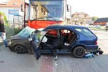Ke střetu osobního automobilu a linkového autobusu došlo v Opočně.