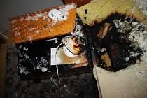 Lampička zavinila požár rodinného domu