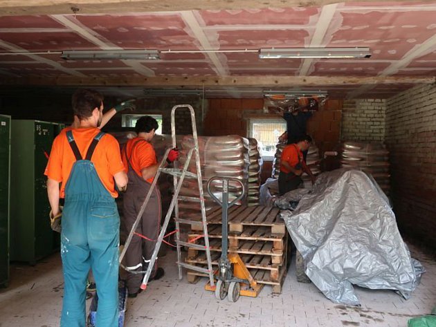 Dobrovolníci pomohli i v Neratově a Bartošovicích.