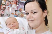 TOMÁŠ JAREŠ  je po Ondráškovi druhou radostí pro rodiče Blanku Jarešovou a Dušana Kokinu z Uhřínova. Svět uviděl 2. 3. ve 23.40 hodin, kdy vážil 3,15 kg a měřil 51 cm. Tatínek byl u porodu a zvládl to výborně.