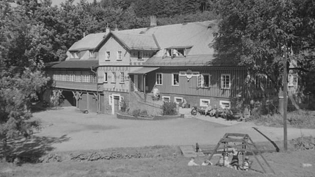 Jak jsme žili v Československu: Olešnice v Orlických horách.