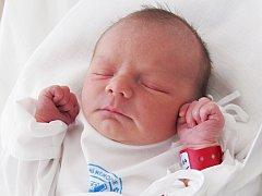 TEREZA DOSTÁLOVÁ se narodila 1. srpna v 10.30 hodin s váhou 3,25 kg a délkou 50 cm. S rodiči Lucií a Tomášem Dostálovými má domov ve Štěpánovsku. Tatínek byl u porodu mamince velkou oporou.