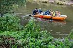 Vodáci na řece Orlici v Týništi nad Orlicí.
