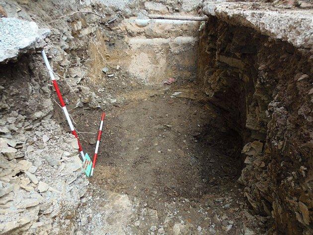 Nález středověké studny v Rychnově