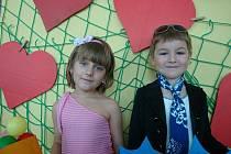 """Kostými jsou každoročně dílem učitelek MŠ Láň. """"Materiál na šití získáváme porůznu, také  s pomocí rodičů dětí,""""  řekla ředitelka MŠ Dagmar Židová."""