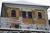 Škola, do níž chodil i Karel Poláček, přestane chátrat