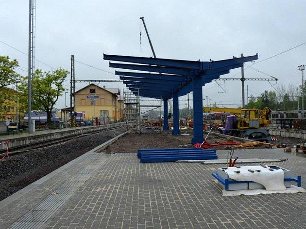 V Týništi již staví nové nástupiště.