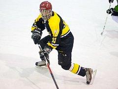 DESET KOL napínavých soubojů má za sebou letošní ročník Rychnovské UNET hokejové ligy.