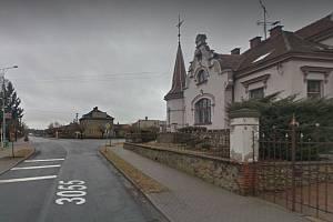Z ulic Borohrádku.