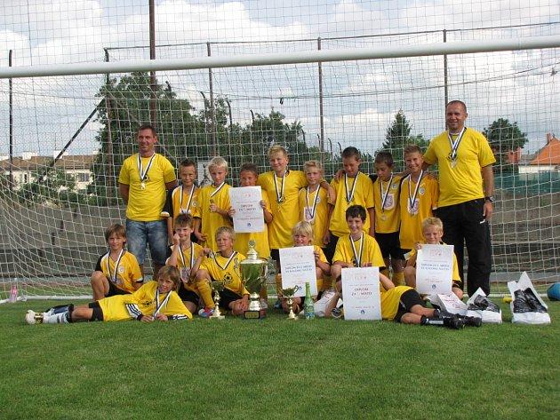 VÍTĚZNÝ TÝM pátého ročníku fotbalového mládežnického turnaje Opočno Cup – FC Hradec Králové.