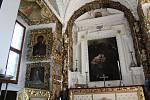 Z doudlebského zámku, kaple.