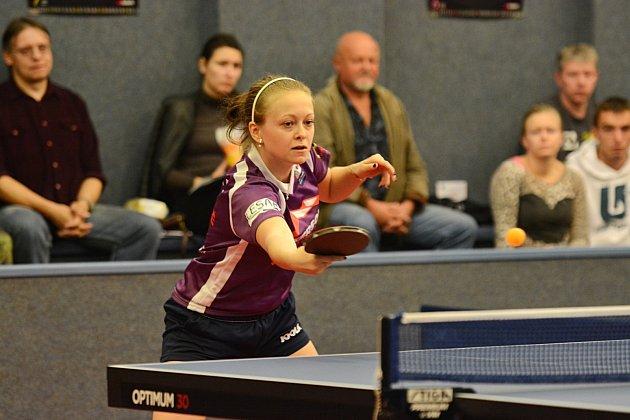 VYNIKAJÍCÍ VÝKON podala  doberská hráčka Daniela Rozínková, když v šesti vítězných dvouhrách ztratila jen tři sety.