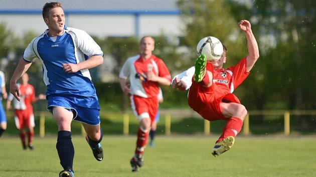 DVAADVACET GÓLŮ padlo ve víkendovém dvacátém kole nejvyšší okresní fotbalové soutěže.