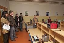 Střední průmyslová škola v Dobrušce postupně modernizovala své laboratoře a dílny