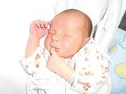 SAMUEL PLACHETKA se narodil 2. listopadu 2018 v 0.08 hodin manželům Markétě a Jiřímu Plachetkovým z Houdkovic. Měřil 51 cm a vážil 3 640 g. Tatínek byl u porodu statečný. Doma se z miminka těší i bráška Kryštof.