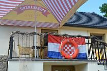 Pivnice Clock se proměnila v chorvatskou pláž.